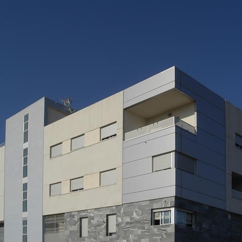 Pesarchitect - Edificio en Benijofar